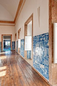 Palacio Belmonte, Lisbon / beautiful combination of tiles and wooden floor: