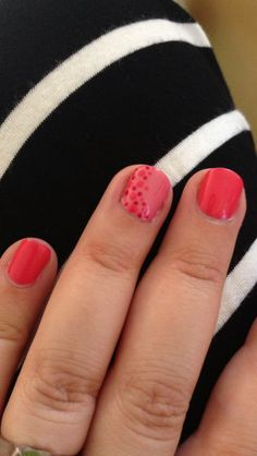 Fun for summer and would be adorable with sundresses and bikinis! Shellac dots nail art