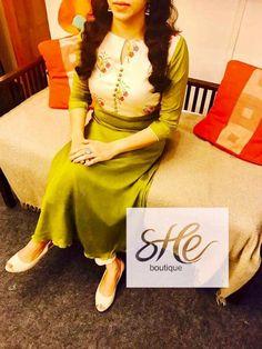 Salwar Neck Designs, Kurta Neck Design, Dress Neck Designs, Kurta Designs Women, Neck Designs For Suits, Blouse Designs, Indian Fashion Dresses, Indian Designer Outfits, Chudidhar Designs