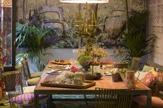 CASA DECOR 2016 - TELVA COMEDOR ANA PARDO DE SANTAYANA, ANA RIESTRA, ROCÍO RIESTRA Casa Decor 2016, Table Settings, Dining Room, Architecture, Table Top Decorations, Place Settings, Desk Layout