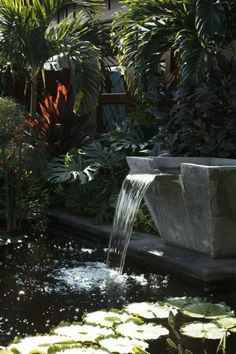 Would love to have a water feature in my yard that WASN'T a mud puddle!) Backyard Water Garden Ideas - Home and Garden Design Idea's Backyard Water Fountains, Outdoor Ponds, Garden Fountains, Ponds Backyard, Landscape Fountains, Backyard Waterfalls, Garden Ponds, Koi Ponds, Fountain Garden