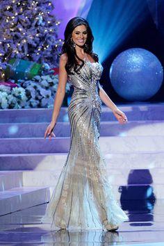 Nuestros vestidos de noche favoritos en Miss Universo 2012: Miss Brasil.