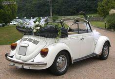 http://www.lemienozze.it/operatori-matrimonio/noleggi_auto_da_cerimonia/autonoleggio-frosinone/media/foto/10 Maggiolino bianco per le nozze con fiori freschi.