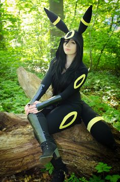 Nachtara / Umbreon Pokemon by ScarlettCosplay Check out http://hotcosplaychicks.tumblr.com for more awesome cosplay