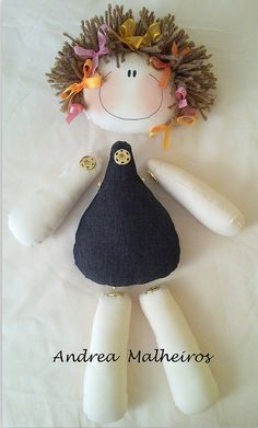 Voce by Andrea Malheiros Doll Crafts, Diy Doll, Sewing Crafts, Sewing Projects, Fabric Dolls, Paper Dolls, Doll Toys, Baby Dolls, Doll Tutorial