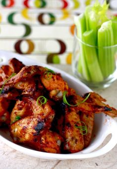 Recipes, Dinner Ideas, Healthy Recipes Food Guide: Sweet and Spicy Chicken Wings Marinated Chicken Wings, Baked Chicken, Crispy Chicken Wings, R Cafe, Sweet And Spicy Chicken, Asian Chicken, Tapas, Easy Asian Recipes, Healthy Recipes