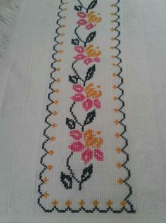 Cross Stitch Flowers, Flower Patterns, Diy And Crafts, Tapestry, Embroidery, Canvas, Crochet, Handmade, Cross Stitch Rose