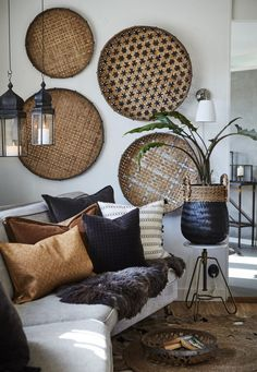 Déco murale : des paniers ronds sur le mur - Joli Place The Effective Pictures We Offer You About home accessories decor mirror A quality picture can tell you many things. Home Decor Inspiration, Room Decor, Decor, Interior Design, House Interior, Home Accessories, Home, Interior, Home Decor