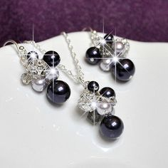 Bridesmaid Jewelry Set Pearl Earrings Necklace di somethingjeweled