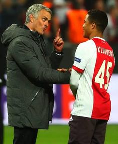 Justin Kluivert, son of former Netherlands star, Patrick Kluivert, has lifted the lid on his discussion with Jose Mourinho, following Ajax's 2-0 defeat to Manchester United in the Europa League final last season.  The Portuguese manager hit the headlines for his wild celebrations in Europa League final in Stockholm last May and was spotted chatting with the Ajax youngster.   #mourinho