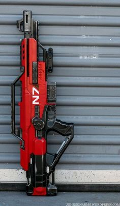 Spring airsoft rifles are powered by a spring mechanism that needs to be manually inclined before every shot. The airsoft enthusiasts believe them to be the most reliable guns. These rifles required less maintenance. Sci Fi Weapons, Concept Weapons, Weapons Guns, Fantasy Weapons, Guns And Ammo, Zombie Weapons, Arma Nerf, Armas Airsoft, Pistola Nerf