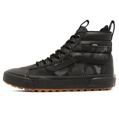 Vans Mte DX Woodland Camo Black - The Darkside Initiative Casual Sneakers, Sneakers Fashion, All Black Sneakers, Mens Vans Shoes, Skate Shoes, Camo Men, Woodland Camo, Mens Boots Fashion, Fresh Shoes