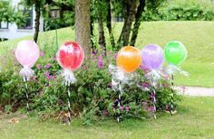 Lollipop balloons ~ birthday party idea.