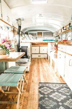 Unordinary Tiny House Bus Living Conversion Ideas 27 — Home Design Ideas Bus Living, Tiny House Living, Cozy House, Boho Lifestyle, Bus Remodel, School Bus Tiny House, Converted Bus, Bus Interior, Airstream Interior