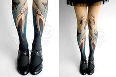 Dans la lignée desTattoo Tights, des collants peints pour simuler desjambes tatouées, voici aujourd'hui lesTattooSocks, qui proposent de nombreux design