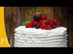 Videoreceta de Tarta de nata y frutos rojos / Cream and red fruits cake video recipe