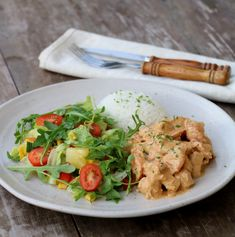 Krema kylling med red curry - LINDASTUHAUG Frisk, Thai Red Curry, Food And Drink, Meat, Chicken, Dinner, Ethnic Recipes, Dining, Food Dinners