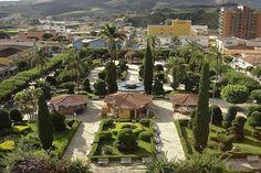 Vista da Praça Prefeito Mario Zucato, um dos cartões postais de Monte Sião #MG