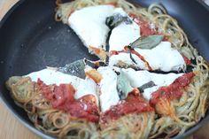Gluten-Free Spiralized Margherita Pizza http://www.inspiralized.com/2013/08/17/recipe-gluten-free-margherita-spiralized-pizza/