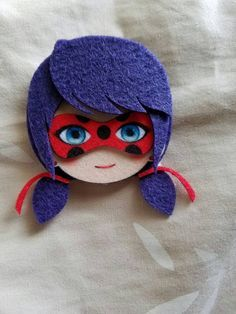 Available pins are: - Miraculous Ladybug - Chat Noir (Please Pick One character only if you want to buy multiple ones please add to quantity and send a note to seller when you purchase) Felt Diy, Felt Crafts, Diy And Crafts, Arts And Crafts, Miraculous Ladybug Party, Ladybug Crafts, Felt Dolls, Applique, Creations