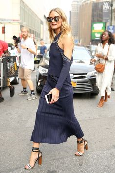 Olivia Palermo: The Ribbed Knit - The ribbed knit has been a surefire hit with bright young things and Palermo showed how to accessorize the look best (with leg-lengthening strappy sandals, of course).