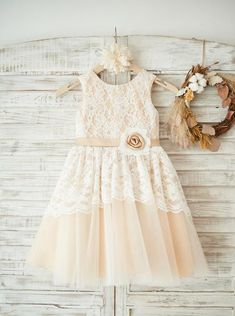 The Cutest White Flower Girl Dresses Flower Girl Dresses Country, Lace Flower Girls, Vintage Flower Girl Dresses, Baby Flower, Dress Vintage, Tulle Dress, Lace Dress, Girls Party Dress, Dress Girl