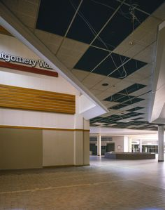 Entrance to the old Villa Italia Mall In Lakewood