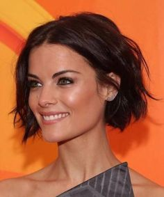 Short hairstyles are having a moment. Whether you're sporting a nice pixie like Sharon Stone, a super short hair like Karlie Kloss, or a crisp bob like Anne. Bob Hairstyles For Fine Hair, Lob Hairstyle, Trending Hairstyles, Hairstyles Haircuts, Jaime Alexander Hair, Jaimie Alexander, Super Short Hair, Short Hair Cuts, Wavy Hair