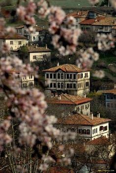 Safranbolu Evleri Bahar Ankara, North India Tour, South India, Turkish Architecture, Urban Architecture, Visit Turkey, Turkey Photos, Paradise On Earth, Turkey Travel
