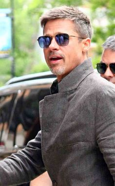 ❤hairstyles men long brad pitt ideas 8 « The Beauty Products Cool Haircuts, Haircuts For Men, Brad Pitt Images, Short Hair Cuts, Short Hair Styles, Men Short Hair, Men Haircut Short, Short Hairstyles For Men, Short Men