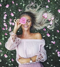 [New] The 10 Best Photography Today (with Pictures) Portrait Photography Poses, Photography Poses Women, Tumblr Photography, Girl Photography Poses, Creative Photography, Amazing Photography, People Photography, Best Photo Poses, Picture Poses