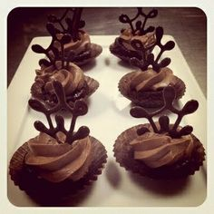 chocolate garnishes for cupcakes | Nom nom nom: Bridal chocolate cupcakes with chocolate garnish