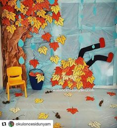 23 Clever DIY Christmas Decoration Ideas By Crafty Panda Autumn Crafts, Halloween Crafts For Kids, Autumn Art, Nature Crafts, Diy Crafts For Kids, Art For Kids, Fall Classroom Decorations, Class Decoration, Classroom Crafts