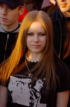 Juno Awards - 5 Abril 2003 - 07 - AvrilPix Gallery - The best image, picture and photo gallery about Avril Lavigne - AvrilSpain.Com