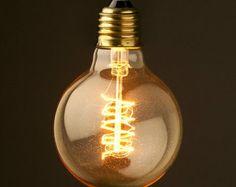 Ampoule Edison E27 220V A19 von IndieandIndustry auf Etsy