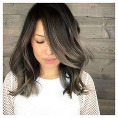 Cabello de carbón: El nuevo color de pelo que se lleva (Foto 11/29)   Ellahoy