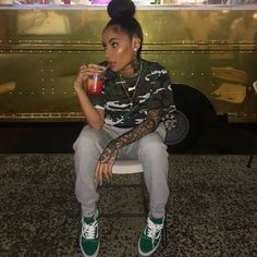 "36.7k Likes, 219 Comments - AGGY ABBY (@aggyabby) on Instagram: ""24 Kilate Food Truck on Broadway in Newark pulled up like YERRRRR let me get a chimichurri wit…"""