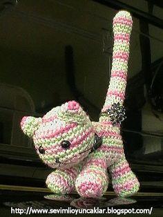 https://flic.kr/p/7KrxqA   amigurumi kitty ringholder   She's my ringholder :)
