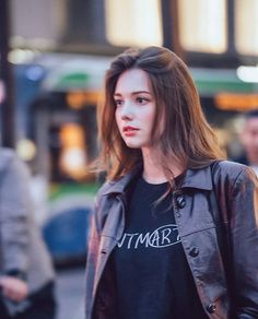 I'm too busy acting like I'm not naive 😞 Uzzlang Girl, Hey Girl, Anastasia, Hair Colour For Green Eyes, Angelina Danilova, European Girls, Cosplay Outfits, Cute Woman, Woman Face