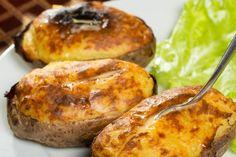 Le patate ripiene cremose sono un secondo piatto molto originale, cremoso e dall'anima filante. Ecco la ricetta