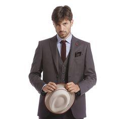 """Mod: L4681 - Art: 842329/4 """"ECCELLENZA"""" DI LEBOLE  Per un uomo moderno dallo stile distintivo è di moda l'abito tre pezzi, sofisticato sempre chic e al passo con la moda. #lebole #leboleuomo #modauomo #fashion #stileitaliano #modaitaliana #style #menswear"""