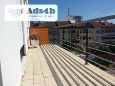 Excelente apartamento T3 , localizado perto de supermercado, escola e centro comercial, com Excelentes áreas, 3 Quartos , um em suite, WC com luz natural,com dois lugares de estacionamento u...