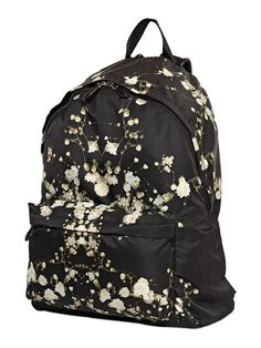 GIVENCHY FLORAL PRINTED NYLON BACKPACK £765.00 on luisaviaroma PRE-ORDER > IN ARRIVAL BY APRIL 2015 Double adjustable logoed and studded shoulder straps Single top handle Front zip closure All over floral print One front zip pocket 100%PA