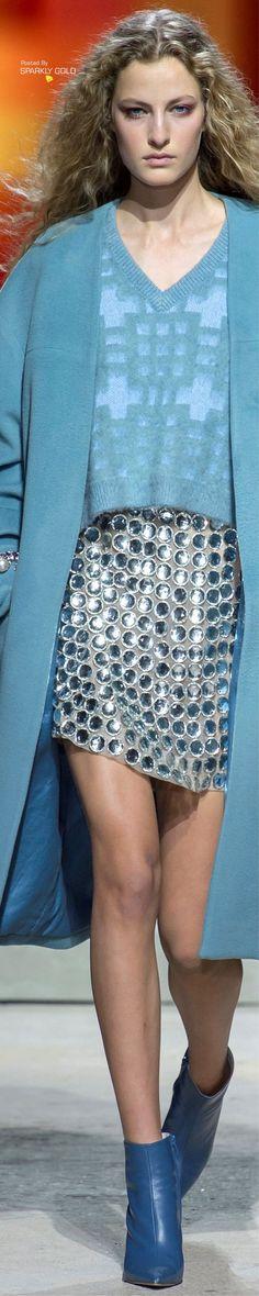 Topshop Unique Spring 2018 RTW Runway Fashion, Fashion Models, Fashion Show, Fashion Design, Topshop Unique, Gilets, Mavis, Tiffany Blue, Evening Gowns