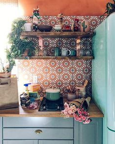 32 Gorgeous Bohemian Style Kitchen Decor Ideas - Popy Home Deco Design, Küchen Design, Home Design, Design Ideas, Design Concepts, Retro Home Decor, Home And Deco, My New Room, Kitchen Styling