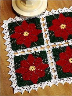 Now is always a good time to work on holiday projects!  The free crochet Poinsettia Doily I pattern lets you start today when you download the free pattern. Freepatterns.com