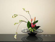 ikebana coffee table flower arrangement images - Google Search