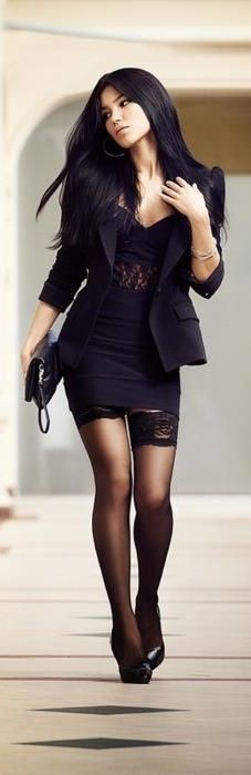 I AM SOOO IN LOVE WITH THIS LOOK !!! Lace and black , can never go wrong Sexy Black Outfit♥
