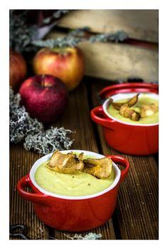 Apple & celery curry soup