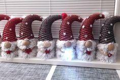 Vianočná nádielka mojich škriatkov Homemade Christmas, Christmas Time, Christmas Crafts, Christmas Ornaments, Sun Paper, Diy And Crafts, Paper Crafts, Paper Weaving, New Years Decorations